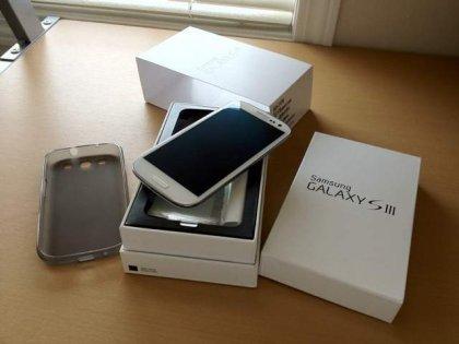 Samsung GT-I9300 Galaxy SIII,Ipad 3... 1