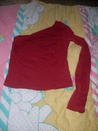 Maglietta rossa monospalla