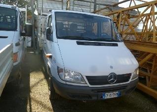 Vendesi autocarri Mercedes 3