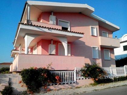 Sardegna- Privato affitta casa ad... 1