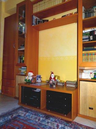 Libreria Ikea colore Faggio, ante a... 3