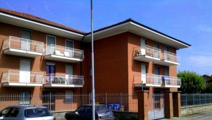 Appartamento libero ed ammobiliato... 2